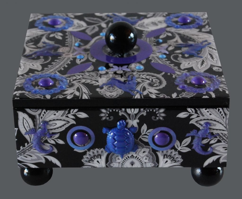 box : damask - purple