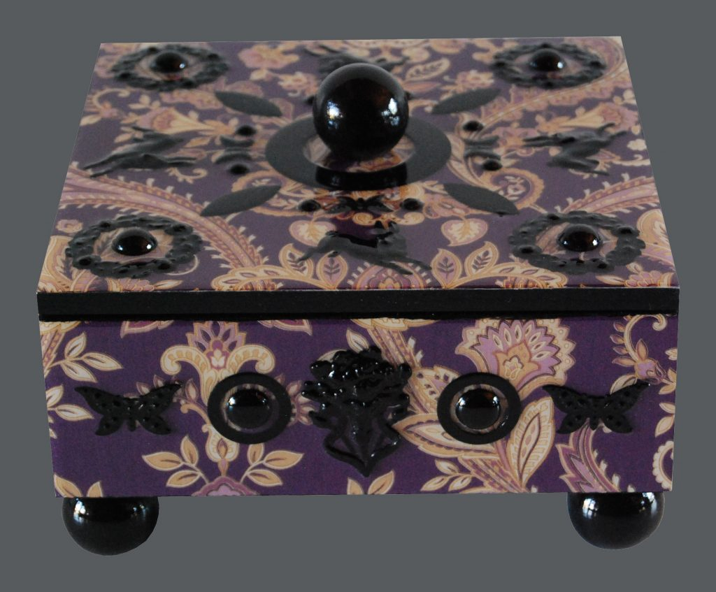 box : damask - burgundy